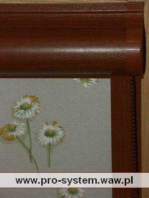 Roleta kwiecista - komponenty w kolorze wiśni.